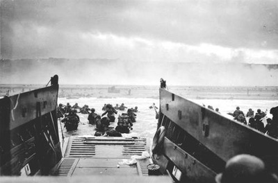 Third wave of troops landing on Omaha Beach ...
